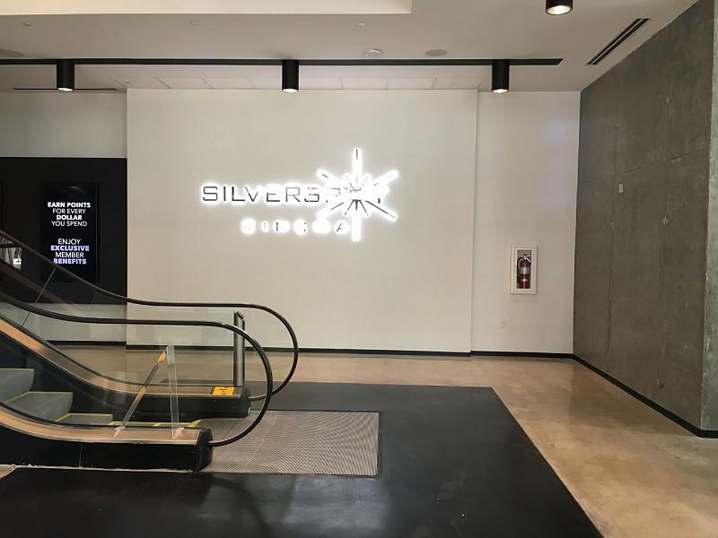 Met Square Silverspot Cinema YAS